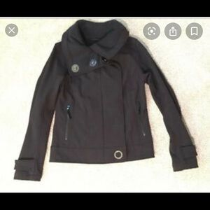 Rare and hard to find! Lululemon Audrey bomber !😍